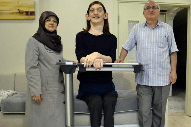Dünyanın en uzun boylu kadını da Türk oldu!