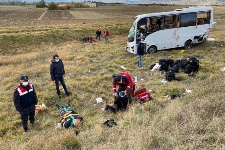 Kastamonu'da polis servisi devrildi: 12 yaralı
