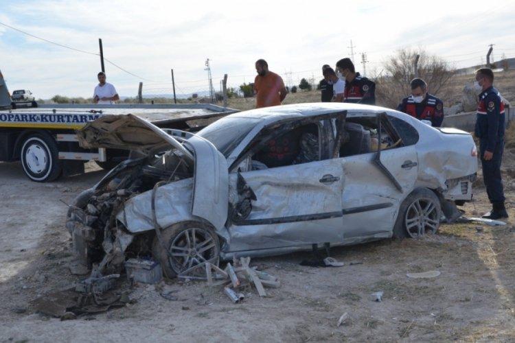 Konya'da takla atan otomobildeki 2 kişi yaralandı