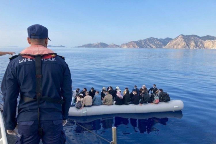 Bodrum'da 25 kaçak göçmen kurtarıldı