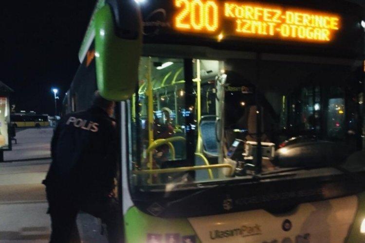 Koronavirüs hastası kadın, otobüsten inmeyi reddetti