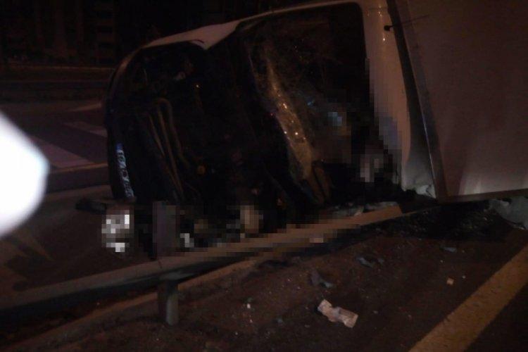 Kayseri'de yarış atı taşıyan kamyon devrildi: 2 ölü, 1 yaralı