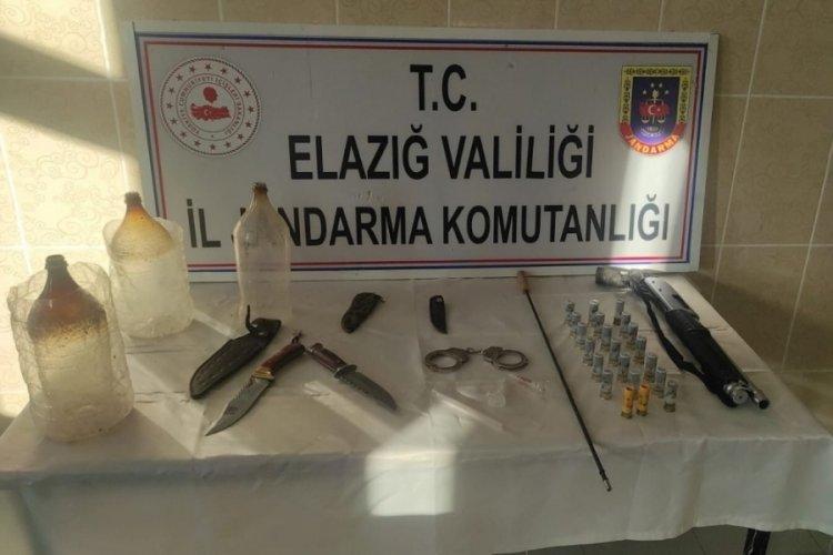 Elazığ'da ruhsatsız silah ve uyuşturucu düzenekleri ele geçirildi