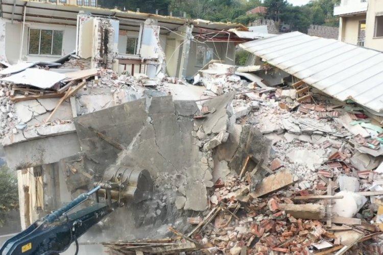 Bursa'nın tarihini gölgeleyen binaların yıkımı drone kamerasında