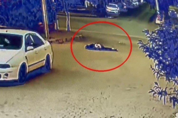 Aydın'da boşanma aşamasındaki eşinin yanında gördüğü kişiye otomobiliyle çarpıp, sürükledi