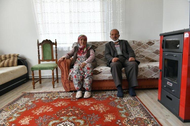 Bursa'da sel mağduru Kılıç ailesi evlerine kavuştu