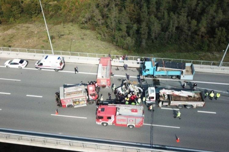 İstanbul'da feci ölümlü kaza! Beton yüklü kamyon otomobilin üzerine devrildi