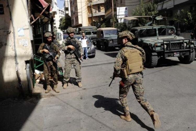 Lübnan'da  Şii Emel Hareketi veHizbullahdestekçilerinin göstericilere ateş açıldı