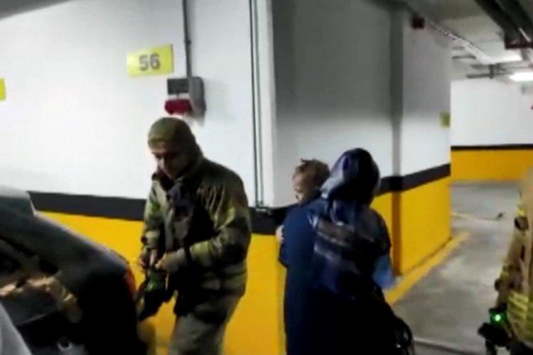 İstanbul Esenler'de otomobilde kilitli kalan 1 yaşındaki Nedim'i itfaiye kurtardı