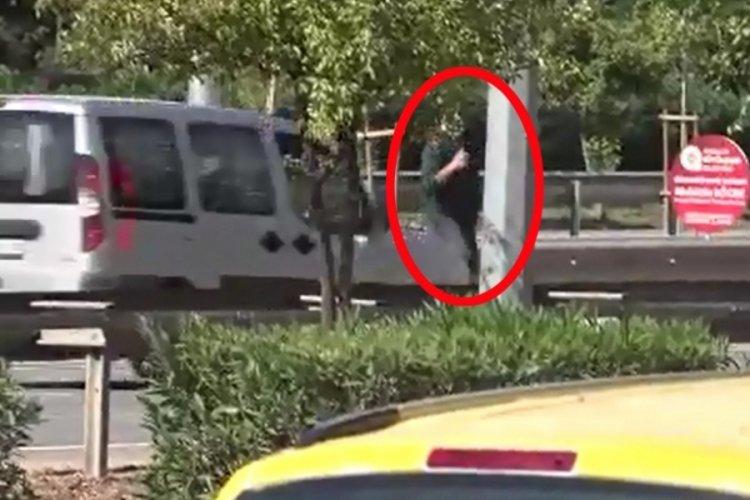 Antalya'da polisten kaçarken hafif ticari araç çarptı