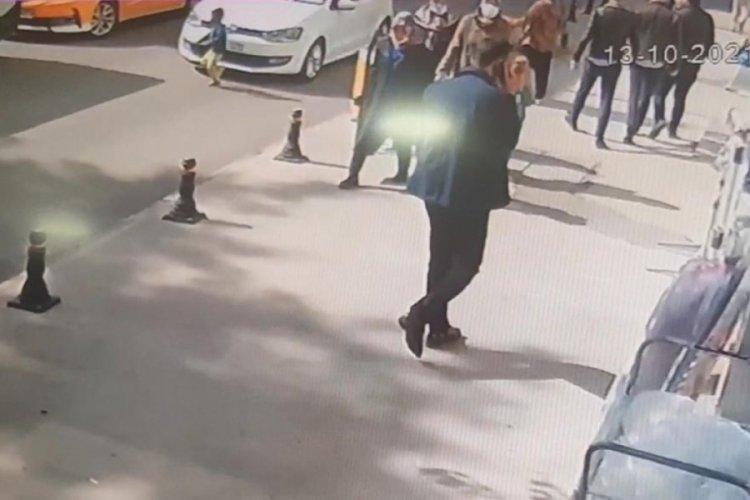 Karabük'te otomobil yola fırlayan çocuğa çarptı