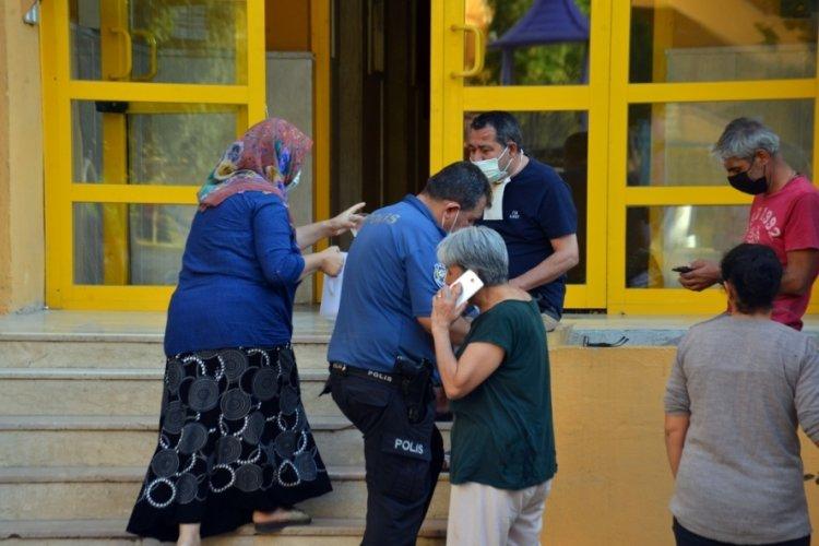Adana'da emekli doktorun evinde başından vurulmuş cesedi bulundu