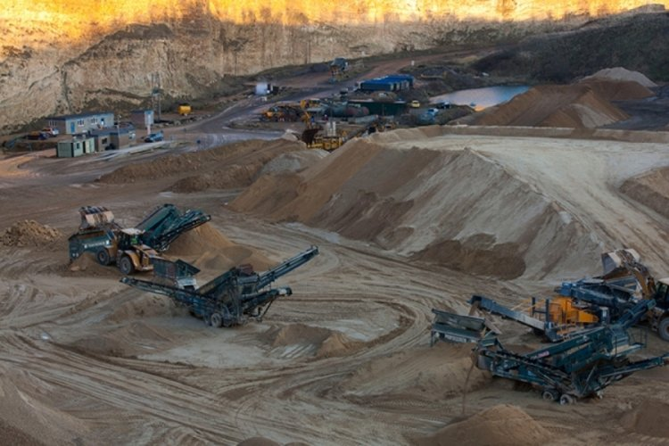 Kum üreten işletmelerin faaliyetleriyle ilgili Bursa Valiliği ve Büyükşehir düğmeye bastı!