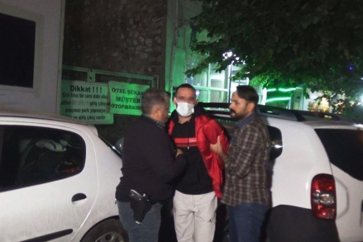 İzmir'de bıçaklı kavgada bir kişi ağır yaralandı