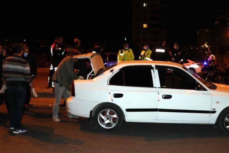 Polisin 'dur' ihtarına uymadılar 20 kilometre sonra yakalandılar