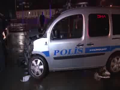 Ambulans Ile Polis Araci Carpisti Yaralilar Var Bursada Bugun