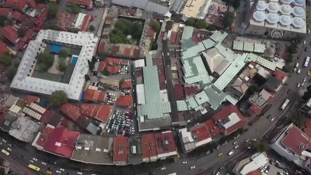 Bursa'da Çarşı ve Hanlar Bölgesi'nde silüeti bozan yapılar temizleniyor