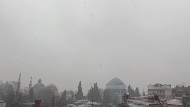 Bursa'da lapa lapa kar yağışı!