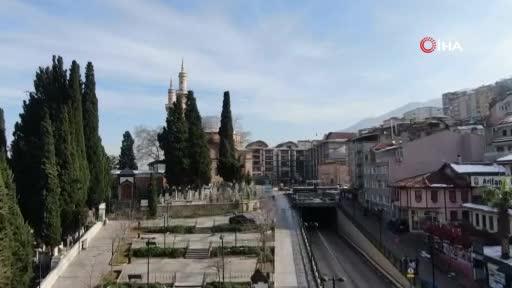 Bursa'da 600 yıllık tarihi cami çelik ağlarla örülüyor
