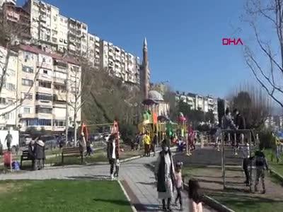 Bursa'da vatandaşlar sahillere akın etti