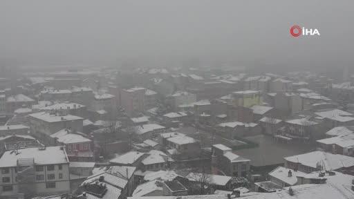 Bursa Uludağ'da kar kalınlığı yarım metreyi geçti