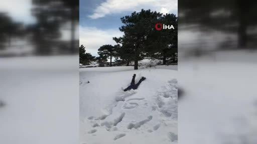 Bursa'da denize atlar gibi karda yüzmeye çalıştılar