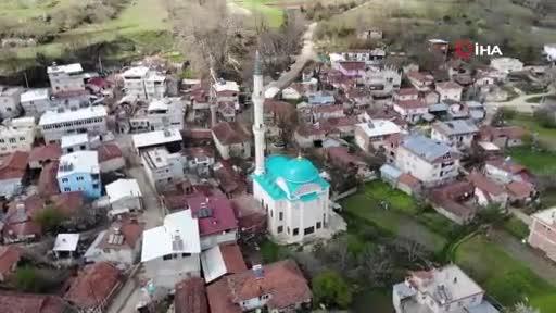 Bursa'da köyün kadınları ekmek satarak 1,5 milyon liralık cami için katkıda bulundu