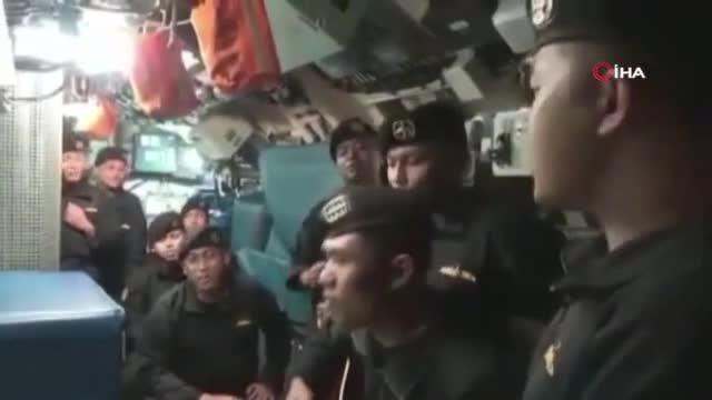 """Endonezya'da batan denizaltıdaki mürettebat """"Elveda"""" şarkısını söylemiş!"""