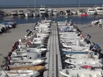 Bursa'nın Mudanya sahilleri de deniz salyası ile kaplandı -2