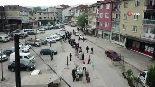 Bursa'da pazar yerlerindeki hareketlilik görüntülendi