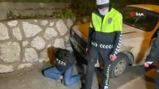 Bursa'da boş yolda kaza yapan sürücü ile polis arasında ilginç diyalog