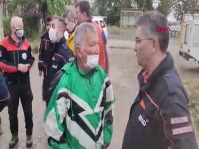 Bursa'da paraşütle atlayan şahıs kayboldu