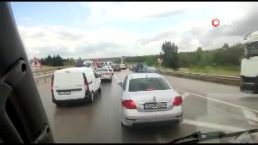 Bursa'da sağanak yağış kaza getirdi! 7 kişi yaralandı