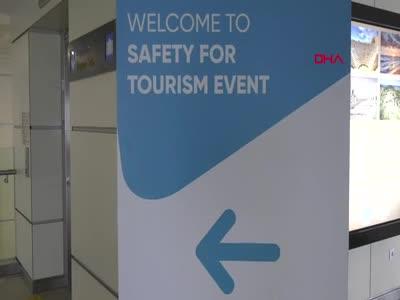 Bakan Ersoy ve Sağlık Bakan Yardımcısı Tolunay'dan turizm mesajı