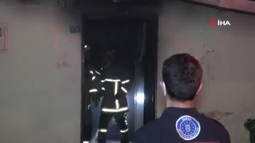 Bursa'da tek katlı müstakil ev yangında küle döndü