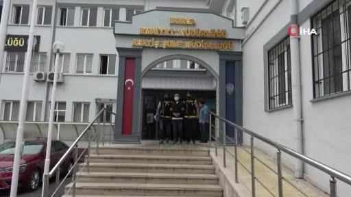 Bursa'da trafikteki saldırının şüphelileri adliyeye sevk edildi