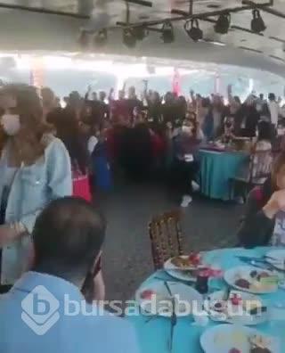 Gençlik ve Spor Bakanlığı'nın Boğaz'daki fetih kutlamasına tepki yağdı
