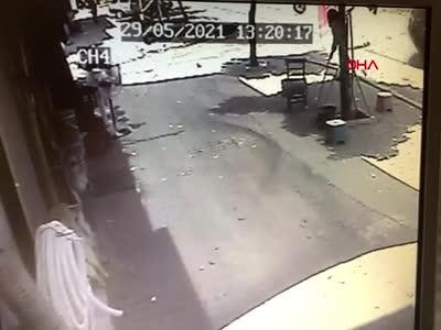 Ünlü oyuncunun ölümden döndüğü kaza kamerada!