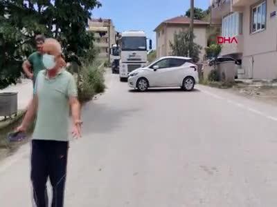 Bursa'da mahalle sakinlerinin ağır tonajlı kamyon isyanı