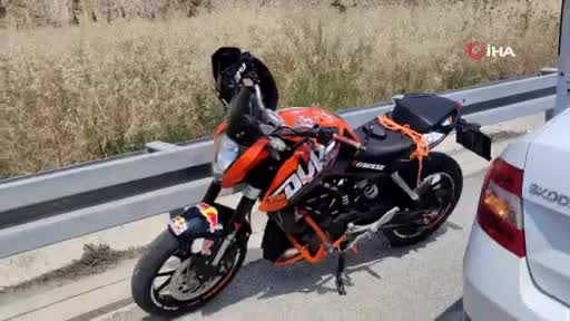Bursa'da motosiklet otoban girişinde bariyerlere çarptı