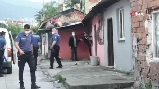 Bursa'da hareketli dakikalar: Ekiplerin karşısında havaya ateş açtılar