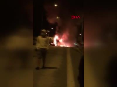 Bursa'da facianın eşiğinden dönüldü: Yolcu otobüsü alev alev yandı -2