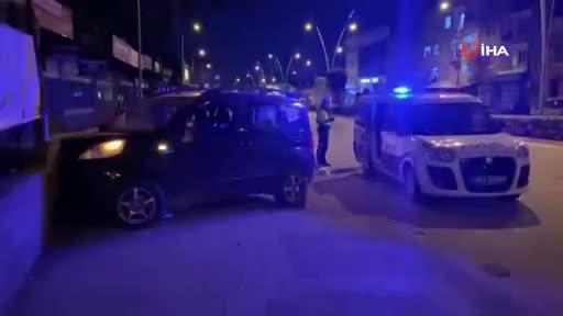 Bursa'da polisten kaçarken mezarlık duvarına çarptı!