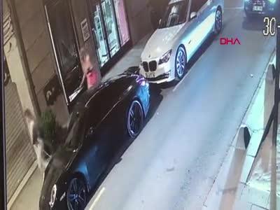 Ünlü oyuncu bıçaklı saldırı sonrası gözaltında: 7'si polis 12 yaralı -2