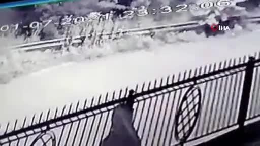 Bursa'da şarampole uçan araçta can verdi