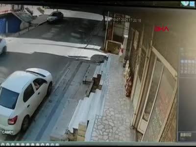 Sürücüsüz araç takla attı