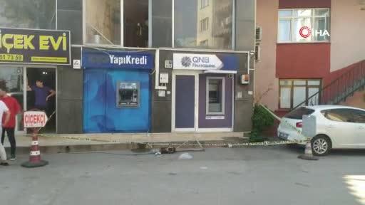 Bursa'da para çekerken üzerine caraskal düştü
