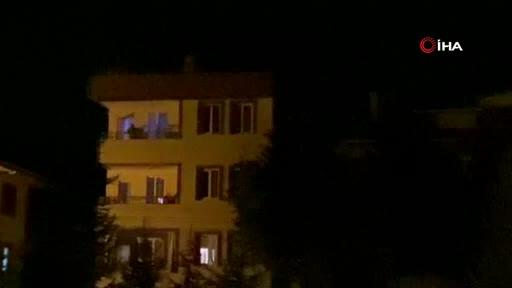 Bursa'da bunalımdaki şahıs balkonda tabancayla intihar etti... O anlar kamerada