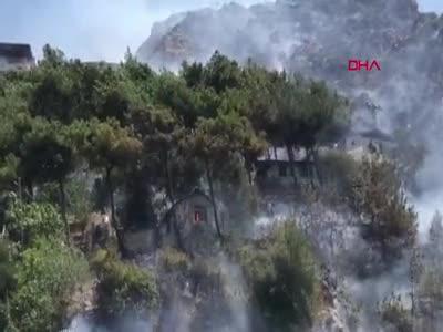 Hatay Antakya'da yangın! Alevler evlere sıçradı