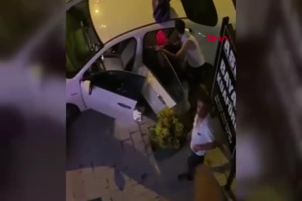 Bursa'da boşanma aşamasındaki eşini tabancayla vurdu